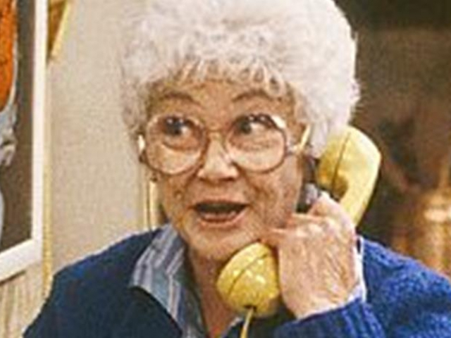 Can you answer 12 golden girls questions quizpug for Why did bea arthur hate betty white
