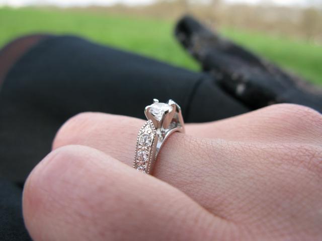 Engagement ring deutsch