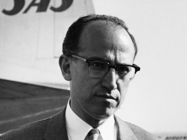 character analysis jonas salk Free jonas salk papers, essays, and research papers  [tags: lois lowry novel,  character analysis] better essays 722 words  the giver: analysis of jonas.